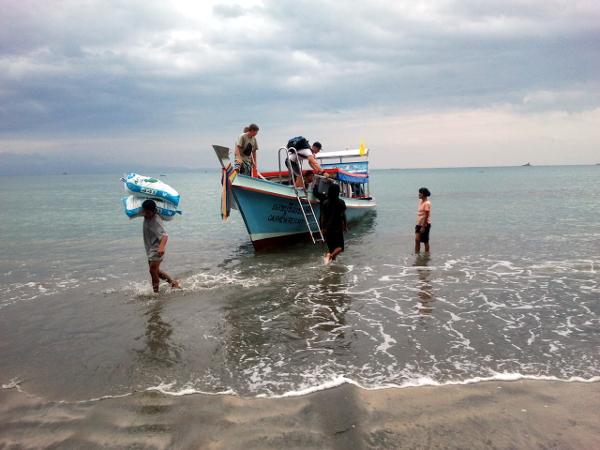 Disembarking - Little Koh Chang - Thailand