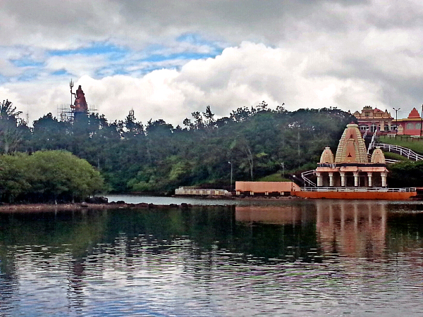 The cluster of temples on the lake shore of Grand Bassin.