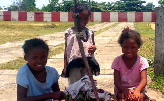 Lychee Roadside Stand - Toamasina - Madagascar